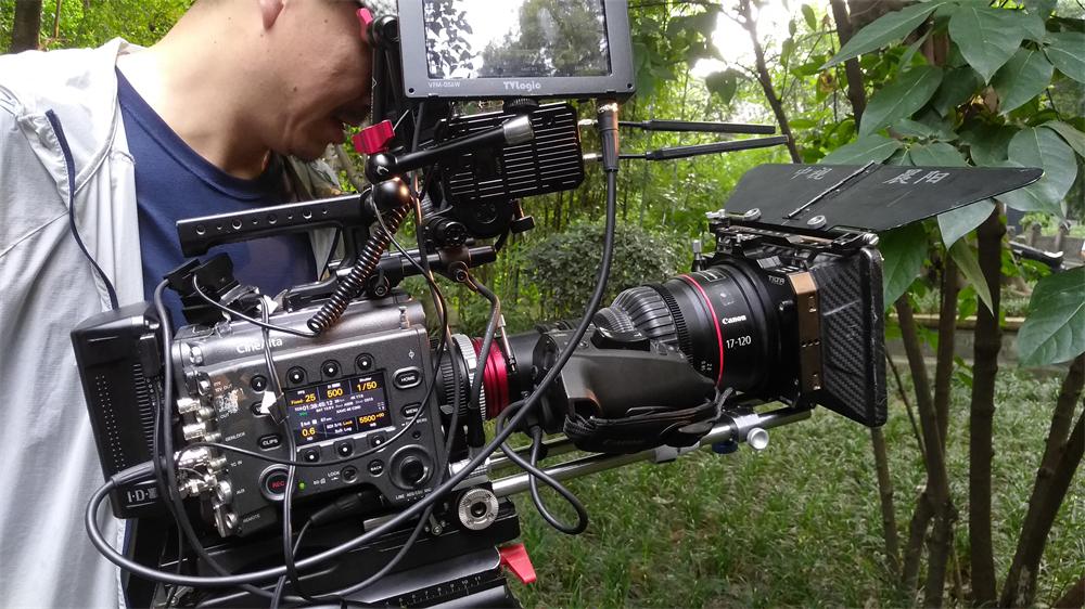 带上CineAltaV摄影机跟着唐诗去旅行